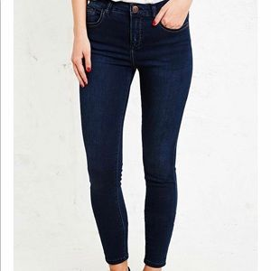 BDG Mid-Rise Ankle Cigarette Jeans in Indigo